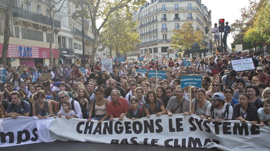 Sentada durante la manifestación en París contra el cambio climático en 2018 / AP Photo/Michel Euler