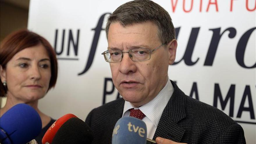 """Sevilla ve """"una frivolidad"""" la propuesta de Rajoy para eliminar el IRPF"""