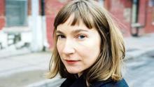 """Sheila Heti: """"La banalidad funciona como el inconsciente en la era del entretenimiento"""""""