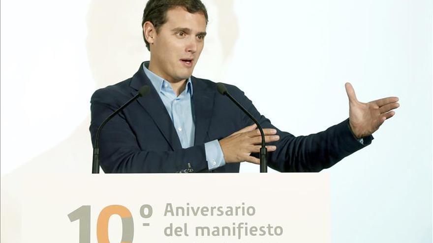 Rivera y otros 5 militantes de Ciudadanos presentan su candidatura a las primarias