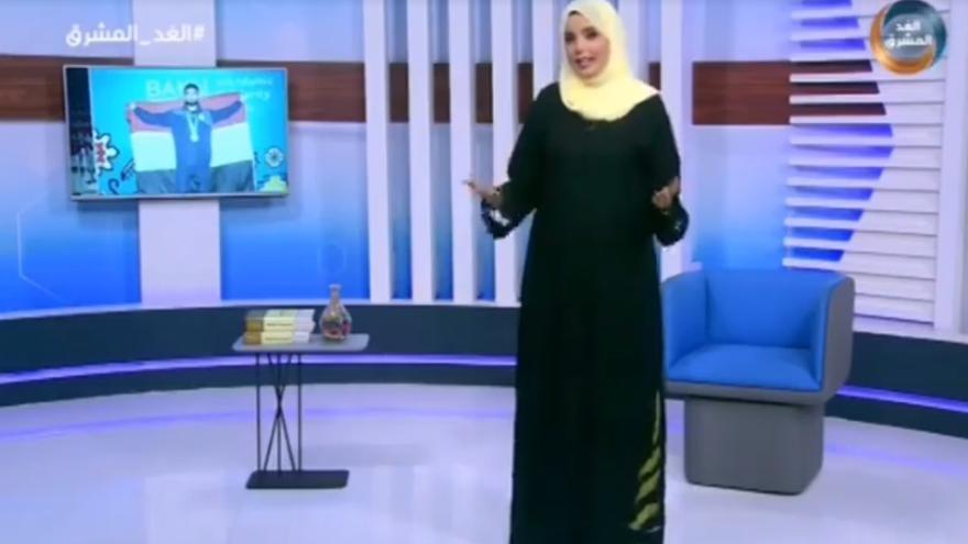 Una presentadora yemení informa acerca de la muerte de Al-hajj Helal Ali Mohammed.