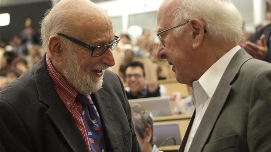 Descubren que el bosón de Higgs se desintegra también en fermiones