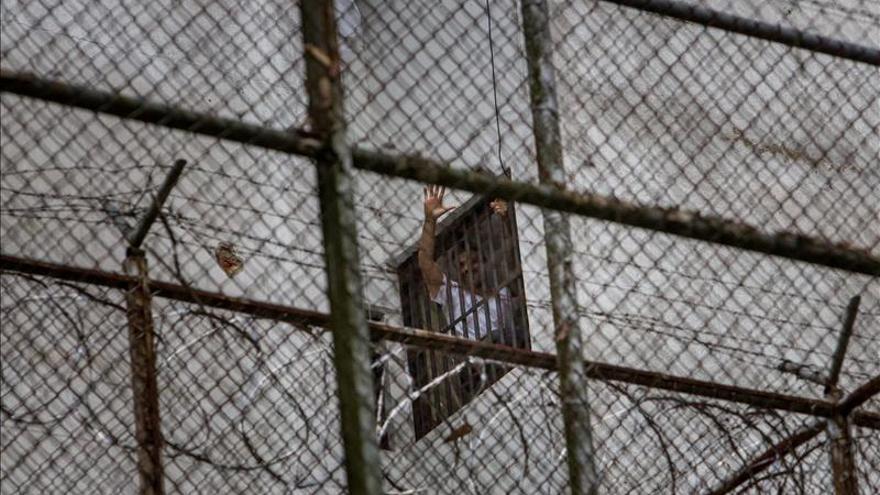 El opositor venezolano preso Leopoldo López cuenta sus vivencias en un blog