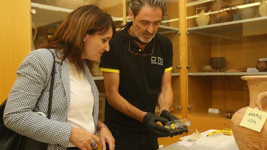 La diputada Julia Parra supervisó hace dos semanas el embalaje de las piezas que el Marq envió a Irán.