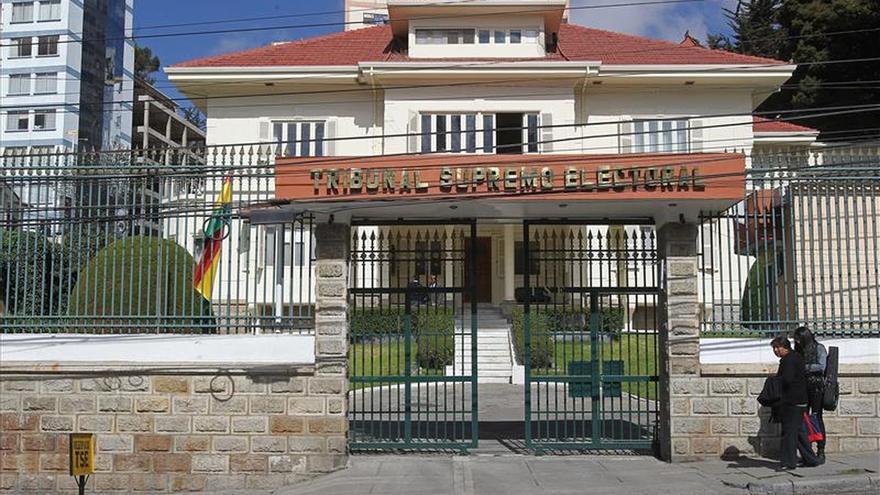 Dimisiones en el órgano electoral boliviano agravan su crisis de credibilidad