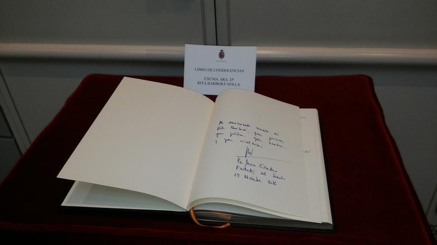 Alrededor de noventa senadores despiden a Barberá en el libro de condolencias del Senado que se cerrará el viernes