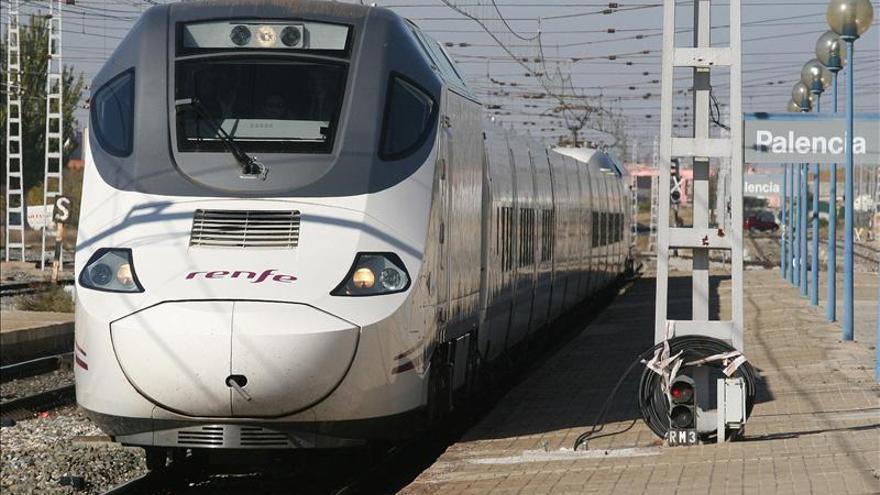 El descarrilamiento de un tren vacío en Sevilla afecta al Alvia Cádiz-Madrid