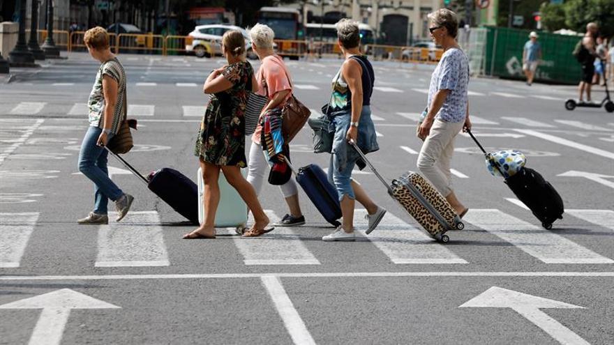 Las ciudades limitan el alquiler turístico con registros y requisitos previos