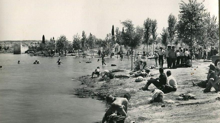Pantano de Entrepeñas, en Sacedón (Guadalajara), en la playa del embalse