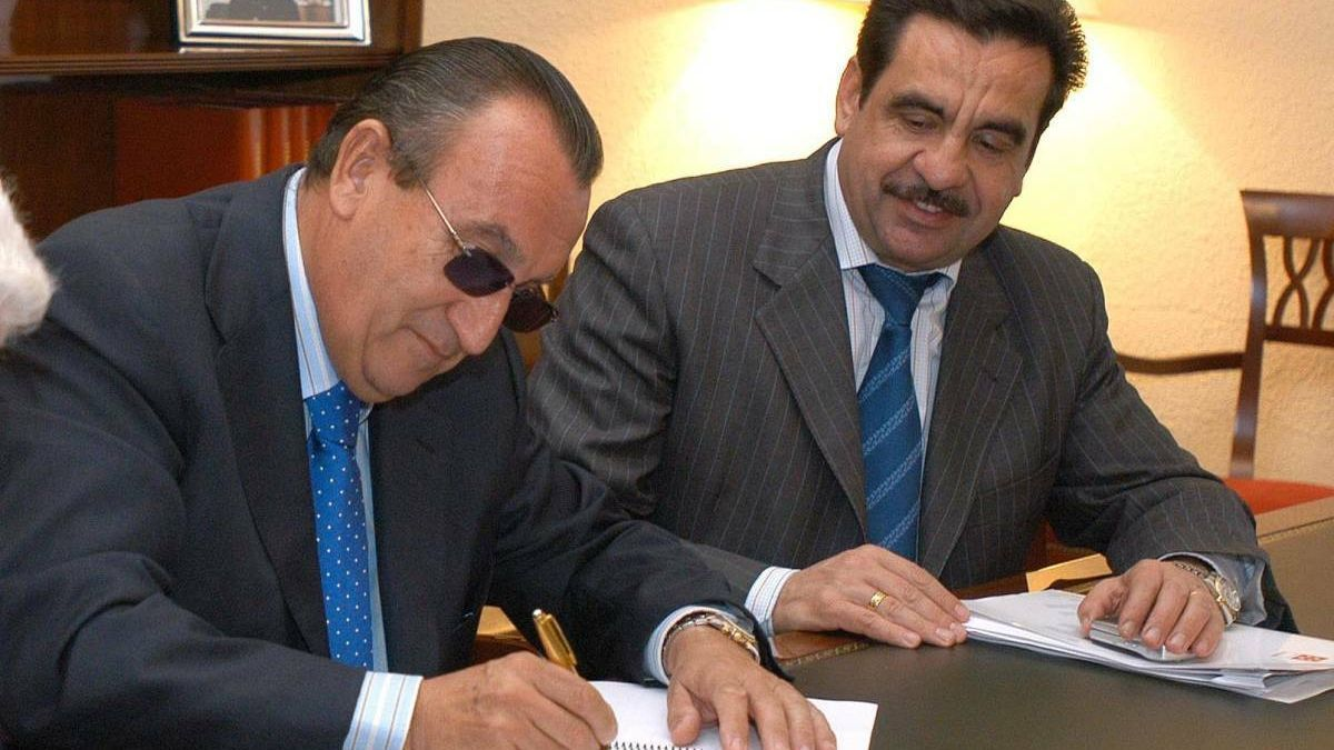 Francisco Martínez, a la derecha, junto con Carlos Fabra.