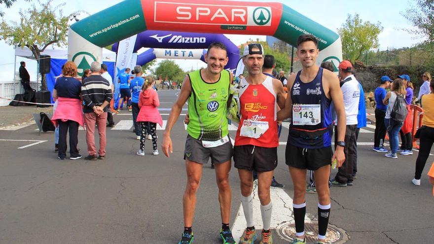 Miguel Ángel, Víctor y Joel tras concluir la prueba.