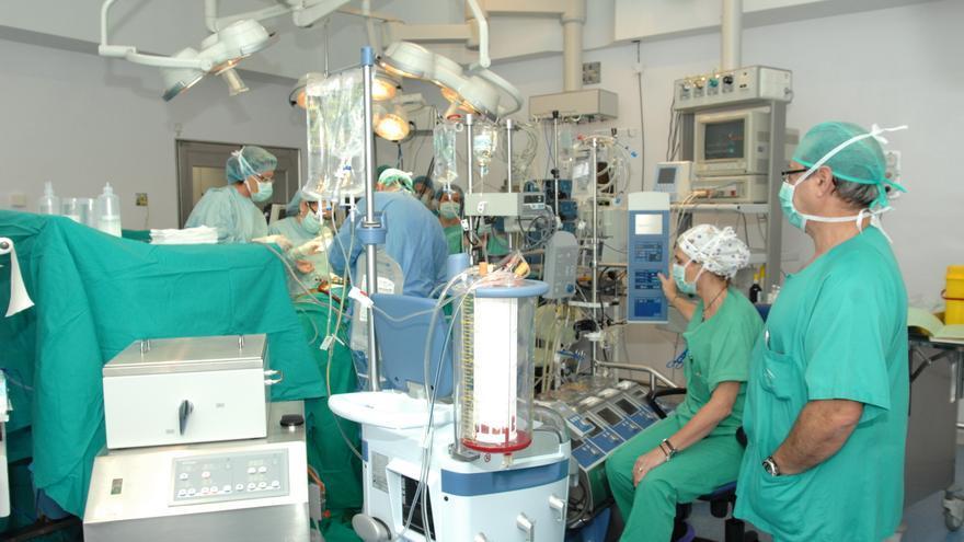 Imagen de un trasplante en el Hospital Reina Sofía de Córdoba.