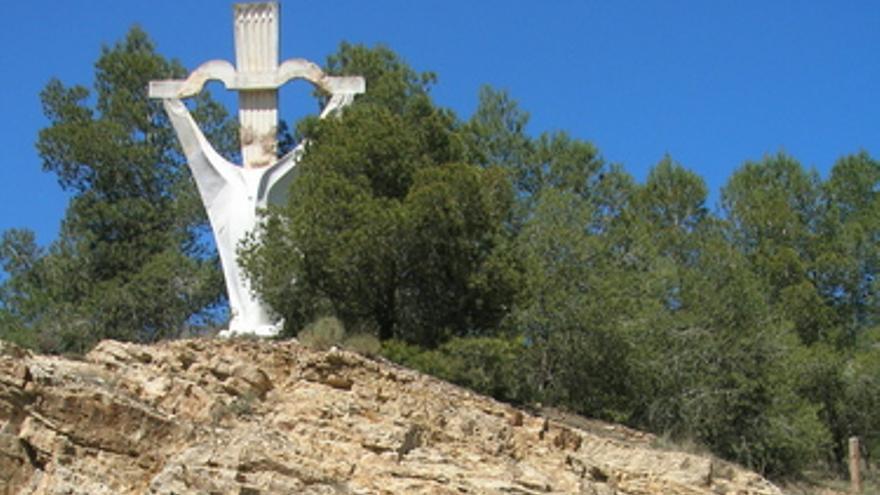Monumento franquista del Puerto de la Cadena