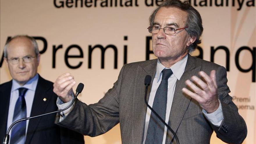 El constitucionalista Javier Pérez Royo se suma a la candidatura de Podemos