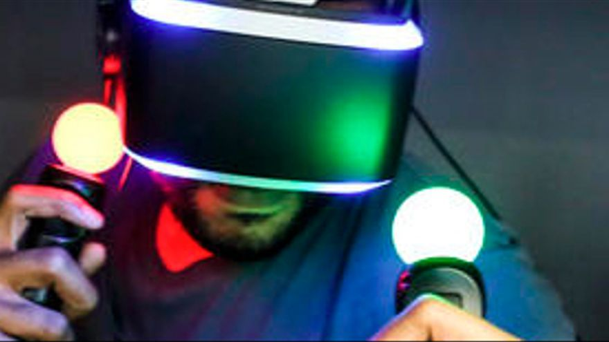 Playstation-4-Project-Morpheus-E3-2014-1.jpg