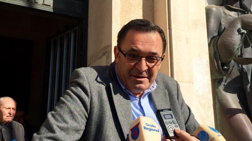El promotor de la vivienda de Pedro Antonio Sánchez a las puertas del juzgado / MJA