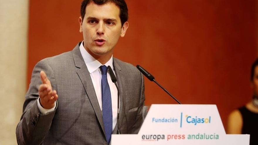 Ciudadanos contraataca al PP pidiendo un punto más de voto a Rivera para garantizar el cambio