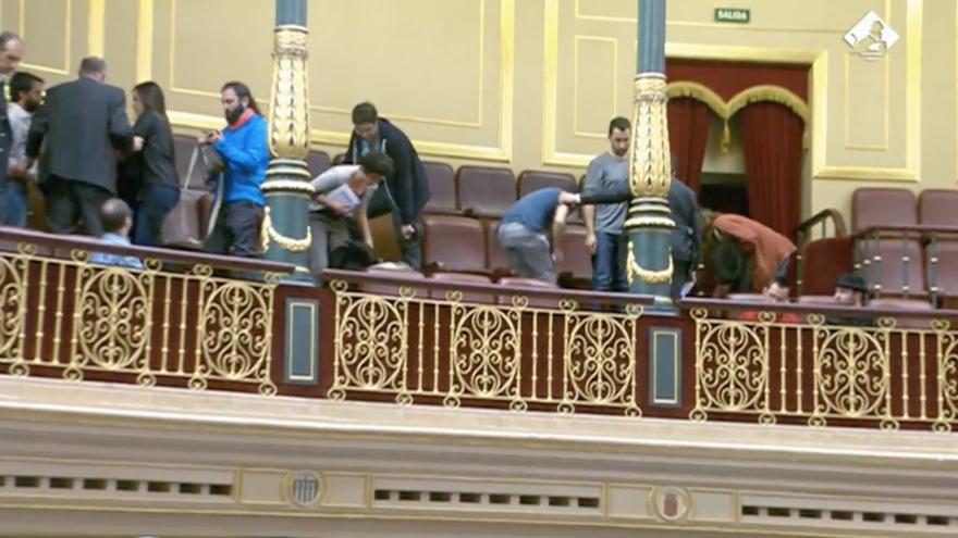 Desalojada la tribuna de invitados del Congreso por protestas en el debate de investigadores predoctorales