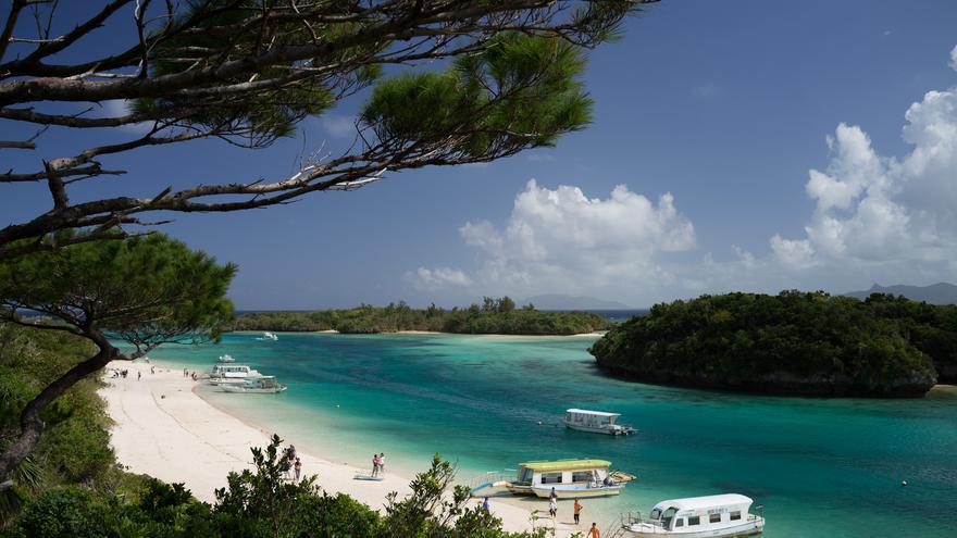 Las playas son el principal atractivo turístico de Okinawa, aunque esta isla del sur de Japón tiene mucho que ofrecer al viajero inquieto. Nicholas Wang