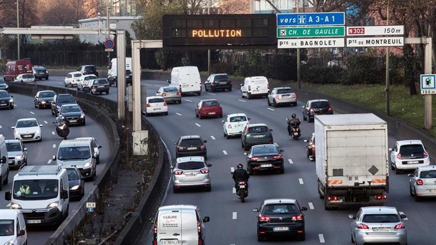 París vuelve a restringir el tráfico mañana para mitigar la contaminación