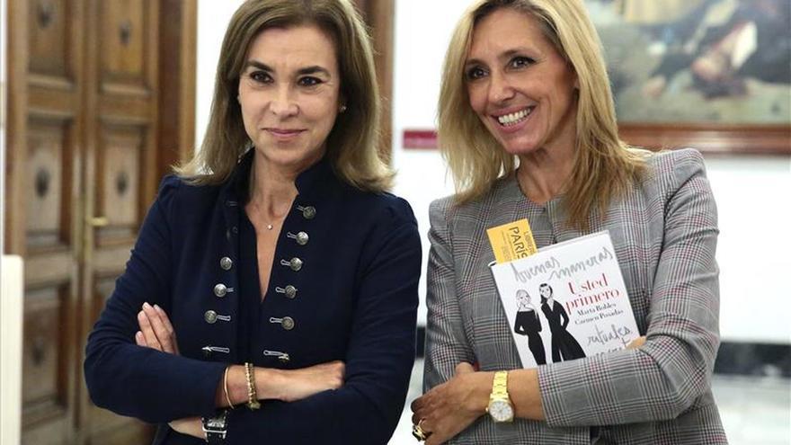Marta Robles y Carmen Posadas: elegancia no está en la corbata o en la coleta