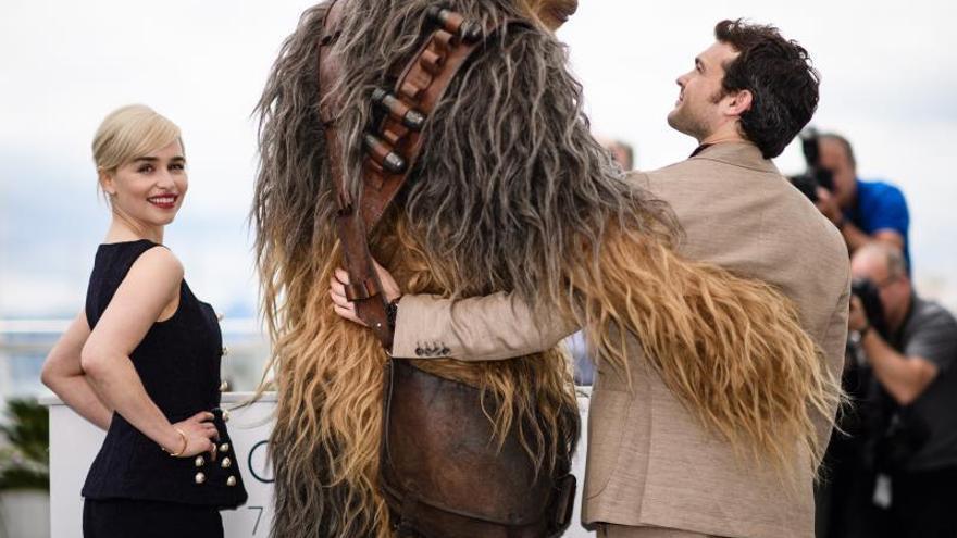 """""""Solo: Una historia de Star Wars"""" o los orígenes del fanfarrón galáctico"""
