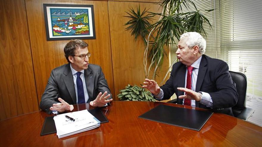 Núñez Feijóo trata las relaciones de Galicia y Chile con su embajador