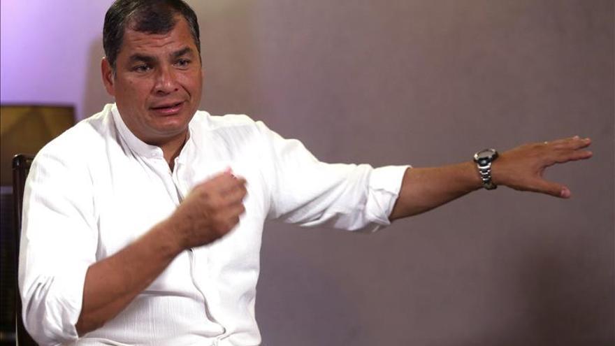 El presidente de Ecuador envía su solidaridad al pueblo francés