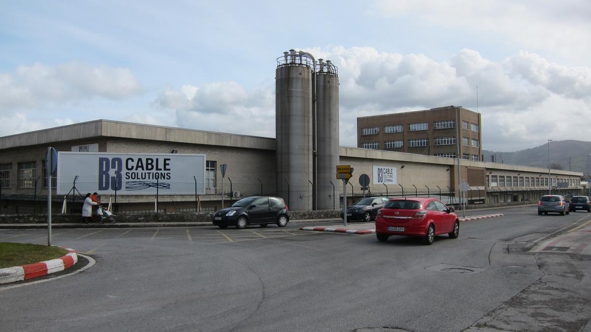 Exterior de la fábrica de B3 Cable en Maliaño.