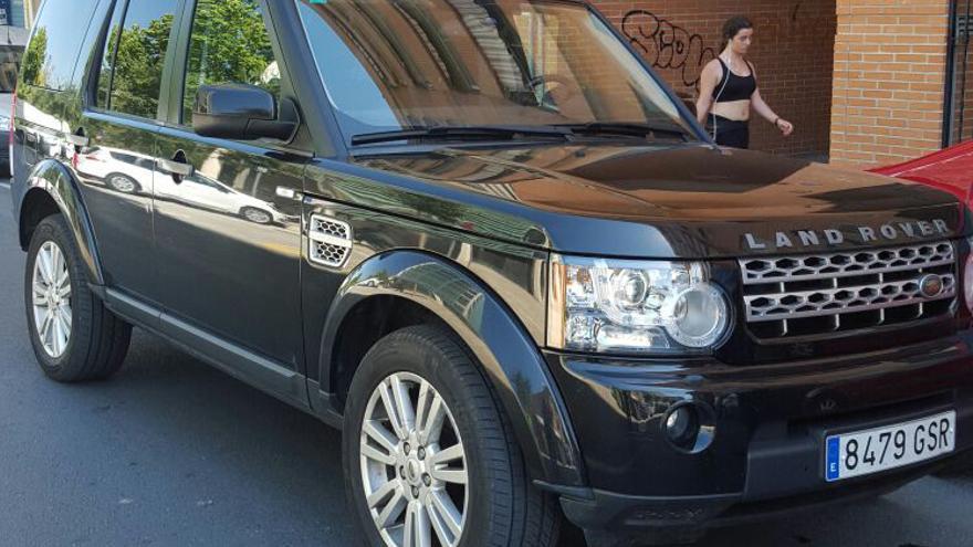 El vehículo, un Land Rover, utilizado por Simó