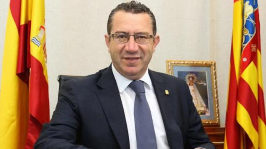 El alcalde de Benidorm, Antonio Pérez Pérez, en su despacho