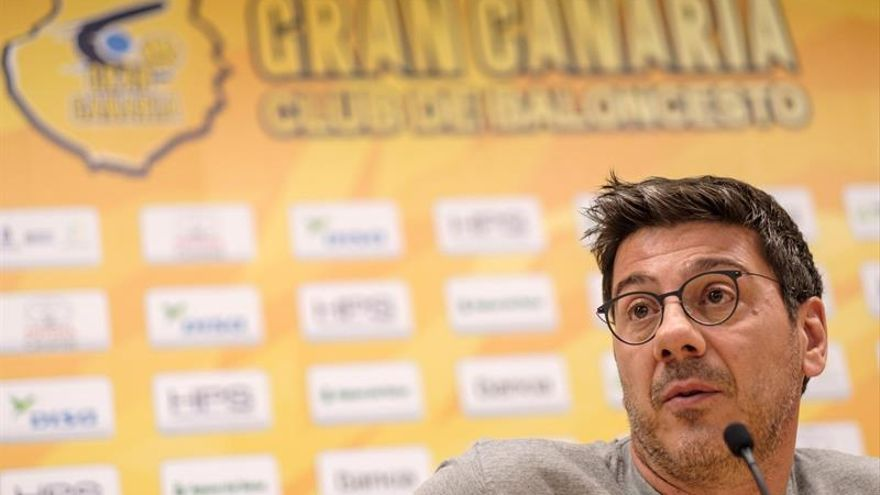 Fotis Katsikaris, entrenador del Herbalife, durante la rueda de prensa