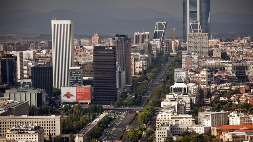 Cortes y desvíos en el centro financiero de Madrid por una falsa alarma