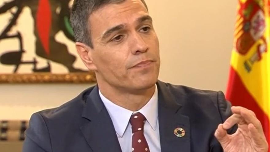 """Sánchez elude comentar el 'caso Dina', pero destaca la """"estrategia de derribo"""" de la oposición al Gobierno"""