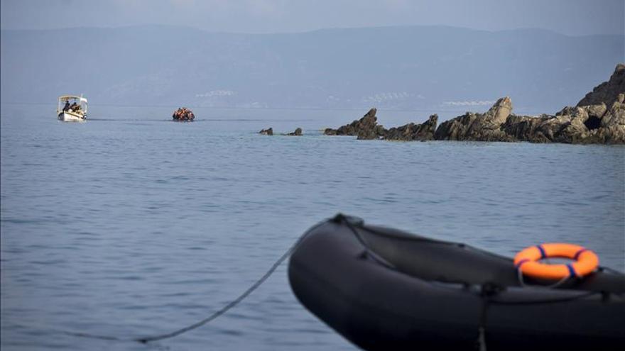 Imagen de archivo. Vista de la llegada de los refugiados que provienen de Turquía a la isla de Lesbos, Grecia. | Efe