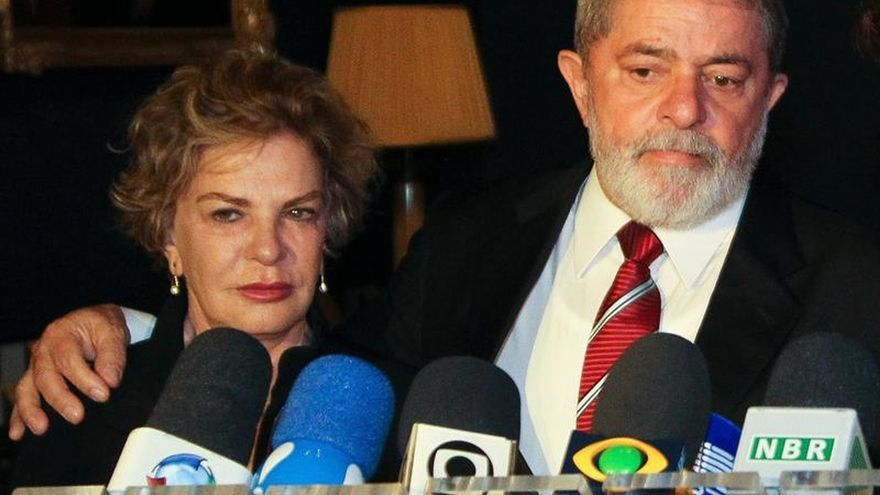La Fiscalía presenta cargos contra Lula y su esposa por corrupción