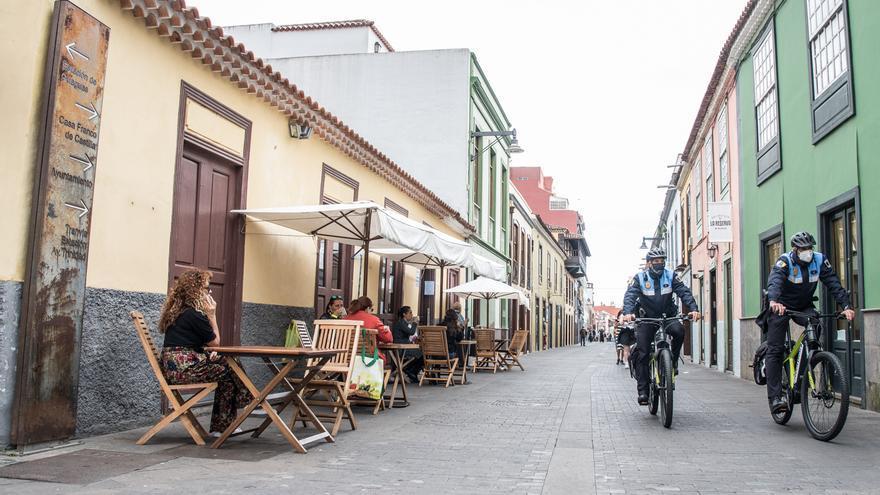 Suspendida hasta 2022 la tasa por ocupación del dominio público con mesas y sillas en La Laguna