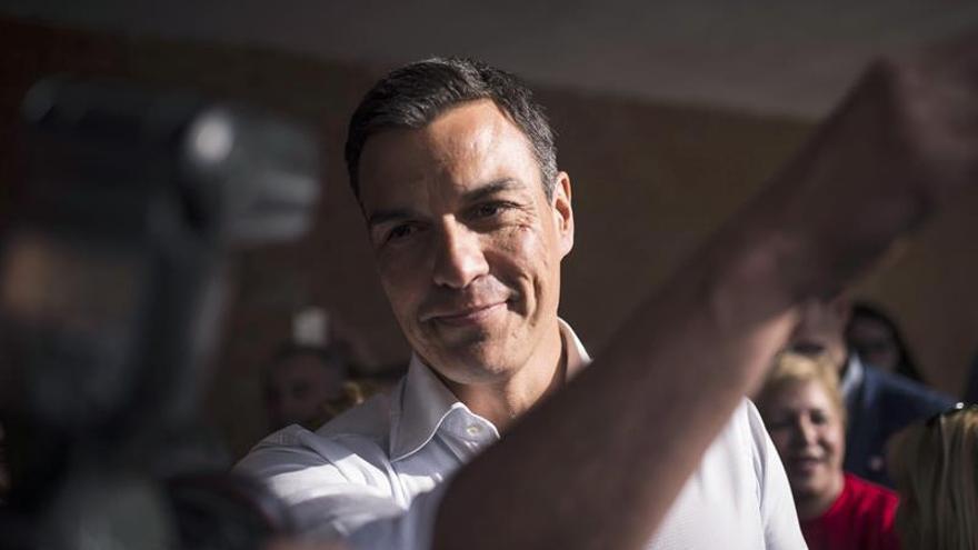 Pedro Sánchez pregunta por qué el PSOE no ha pedido la comparecencia de Rajoy en el Congreso