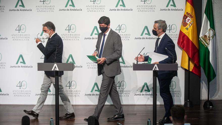 Bendodo, Marín y Bravo, en la rueda de prensa posterior al Consejo de Gobierno de este martes.