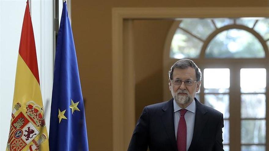 Rajoy se compromete a llevar la fibra óptica al 85 % de la población