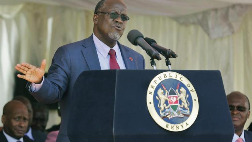 """El presidente de Tanzania llama """"vagos"""" a quienes no forman familias numerosas"""