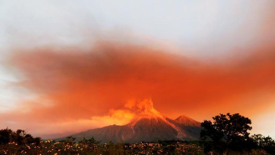 El volcán de Fuego de Guatemala registra hasta 22 explosiones por hora