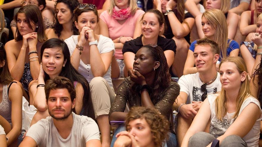 La Junta mantiene para el curso 2014-2015 las ayudas complementarias de entre 250 y 100 euros para los alumnos Erasmus