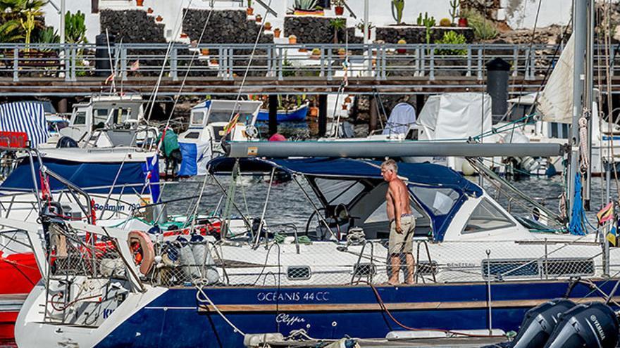 Lis en su barco, en La Tiñosa. Foto: Diario de Lanzarote