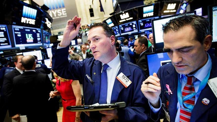 Wall Street sigue a la baja y el Dow Jones cede un 0,19 por ciento a media sesión
