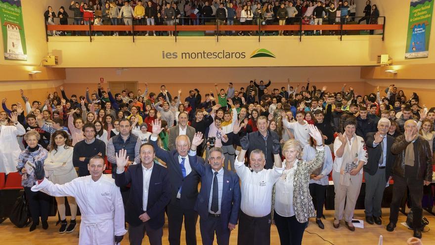 """Revilla presume de la """"fabulosa"""" educación cántabra en el 50 aniversario del IES Montesclaros de Reinosa"""