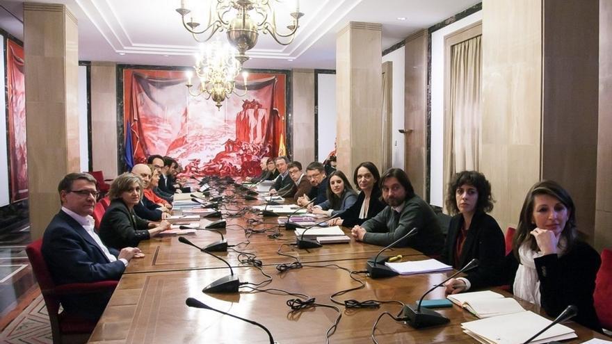Pablo Iglesias pide a su equipo negociador que retome contactos con PSOE, IU y Compromís para reabrir la mesa a cuatro