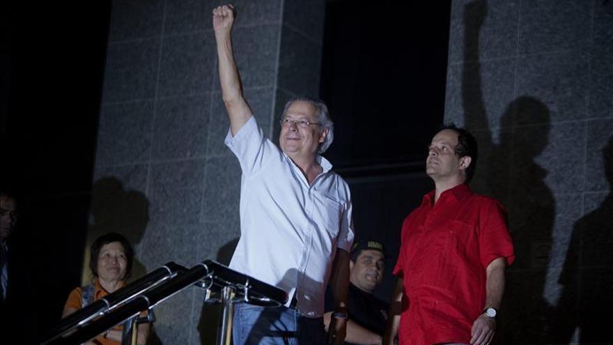 El más influyente exministro de Lula deja la cárcel para cumplir su pena en casa
