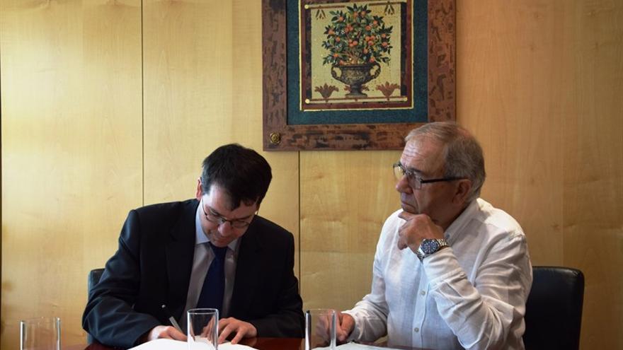 Firma del acuerdo entre Ilunion y Manchalan