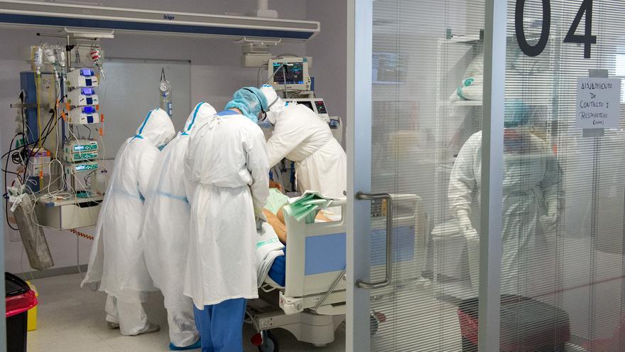 Desciende el número de nuevos contagios en Castilla-La Mancha aunque suben ligeramente las hospitalizaciones